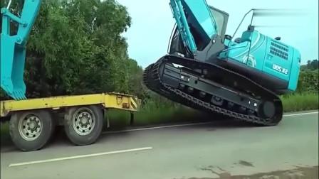老板新买了一台挖掘机,这得多少钱啊?