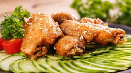 家常菜:和肯德基的有一拼的香酥鸡翅的做法,自己在家就可以做