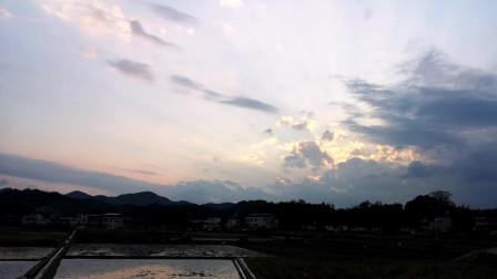 坐看夕阳西下