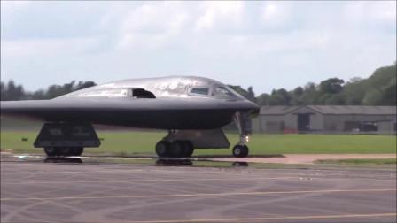 你知道这架造型奇特的轰炸机的造价吗?