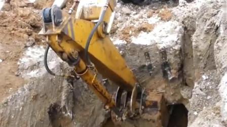 老板要知道挖掘机这样用,肯定会哭死在工地上!