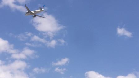 双发喷气机起飞