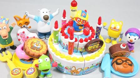 小动物们庆祝生日分享蛋糕