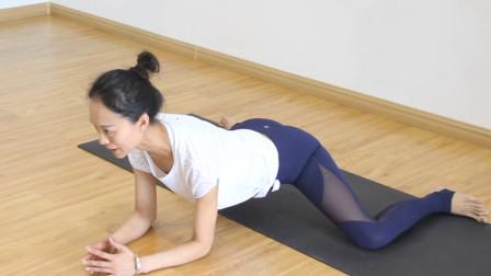孕期瑜伽怎么练?爬青蛙式帮你无痛开髋,减少身体不适