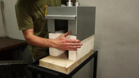 几块耐火砖加上焊好的铁板,一个锻造炉就做好了,简单实用的制作
