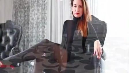 小姐姐黑上衣搭配黑色裙子和高跟鞋黑丝袜!