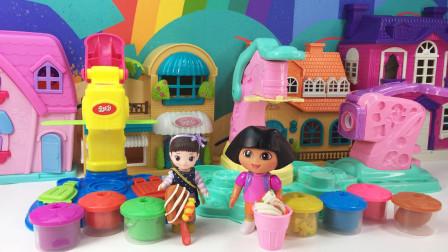 小豆子和朵拉用橡皮泥做出了糖果冰棍和冰激凌呢!