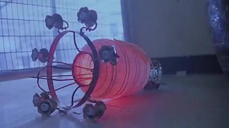 新人皮灯笼:人皮灯笼被点燃,美貌女鬼难道只能灰飞烟灭?