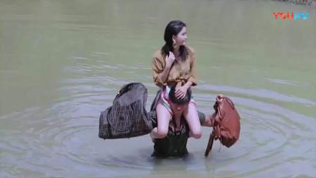 蛮荒的童话温碧霞过河装备不简单,果然美女就是待遇好