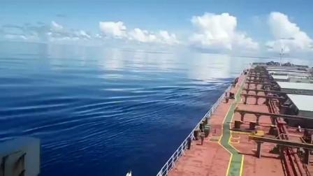 太平洋赤道无风带的天空之镜