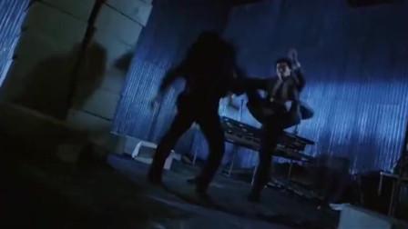 乌鸦张耀扬《怒吼狂花》精彩打斗, 与二女展开一段激烈搏