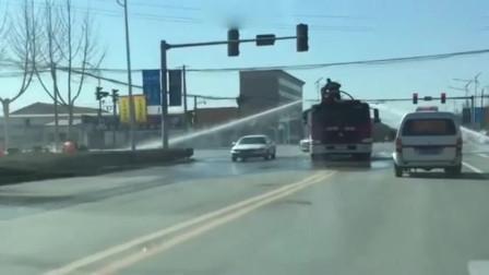 消防官兵太可爱了,免费洗了一次车,20块钱又省下来了!