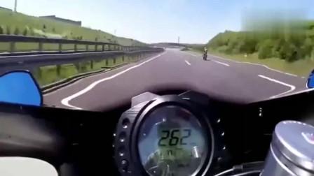 机车摩托:10万的摩托车和30万的区别,油门拧到底就看出来了!