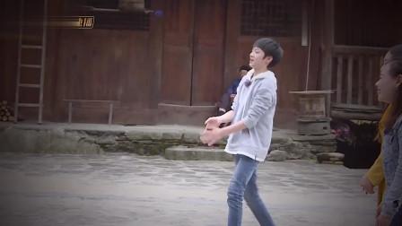 综艺:刘耀文跟大家玩游戏,最后获得胜利,过程也不简单呀