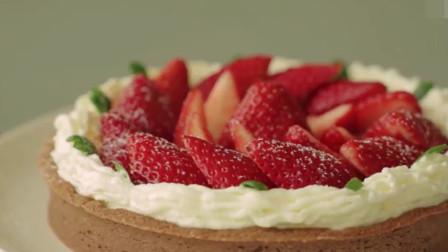 「烘焙教程」草莓奶油薄蛋糕,一口下去超满足