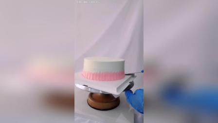 办他, 双层动物奶油蛋糕, 小鹿皇冠蛋糕!