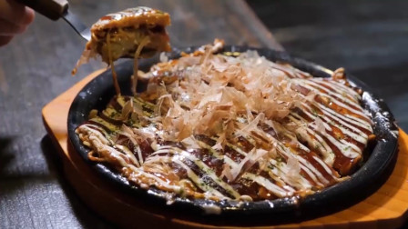 韩国夜市摊的铁板炒面,看似很普通,做法挺复杂