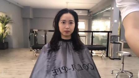 圆脸女生长发剪短,烫了一款今年流行的仙女烫发型,显小脸提气质,前后判若两人,论发型的重要性