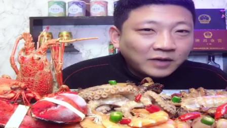 老哥吃美食,海鲜天天吃,味道还是一样好。