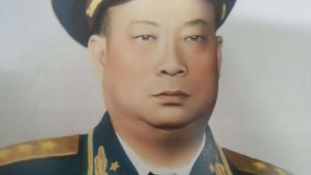 贺龙手下的一警卫员,独自一人俘虏47名敌军,后成开国上将!