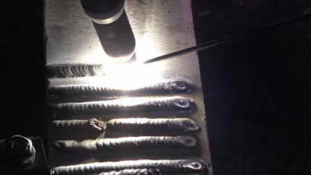 铝氩弧焊日常练习之听听手势舞音乐
