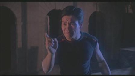王跃颖颖说电影情感片《邪完再邪》:男子怀疑女友的身份,于是就在水盆里放菜刀验证,结果却发财了