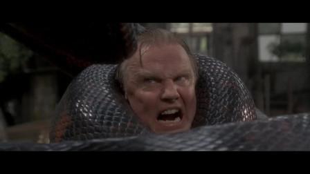 狂蟒之灾:大叔还想活捉蟒蛇,结果把自己葬送进去了