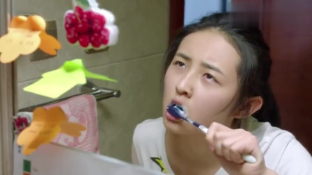 一大早张子枫就被叫起来背单词,甚至连刷牙时间都不放过