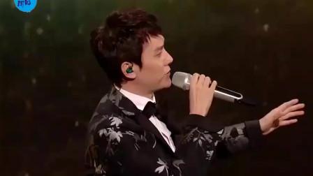 没想到赵丽颖唱歌如此好听,与冯绍峰深情对唱情歌,超甜