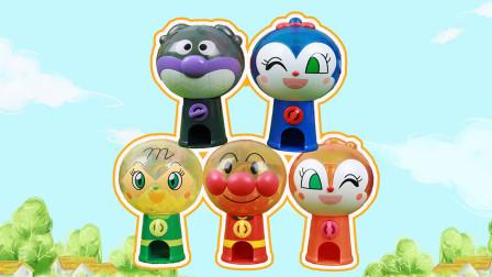 趣盒子玩具 第一季 小猪佩奇扭面包超人迷你扭蛋机可爱小扭蛋