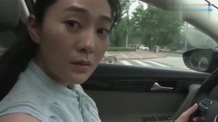 风再起时:逃打车,美女一眼认出他,一边一边报警!