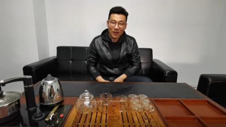 金骏眉属于红茶中正山小种的分支,原产于福建省武夷山市桐木村,是于2005年研制出的新品种红茶