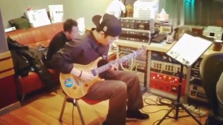 活久见的吉他经典!李延亮许巍两大咖录音室玩吉他!