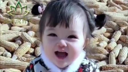 2岁的女儿送回乡下姥姥家,闺女看到妈妈后,接下来的反应萌翻了