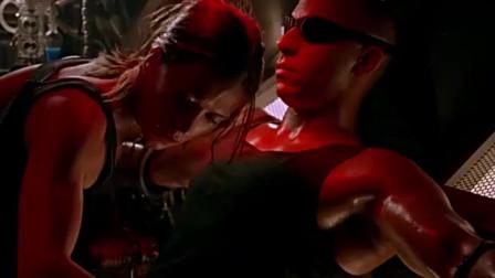 星际传奇:女主本想去救自己的朋友,结果刚一出手。。。