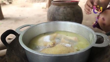 农村巧妇教你制作最具民族特色的鸡腿饭,看上去味道还不错