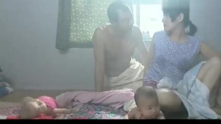 妻子有牛奶可以比较难喝,两个人决定让自己的儿子喝茶汤,让儿子喝干牛奶。
