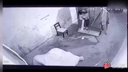 """""""鬼屋""""历险记(爆笑版)"""