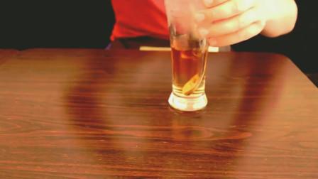 60秒学会鸳鸯奶茶,品味经典港式美味!