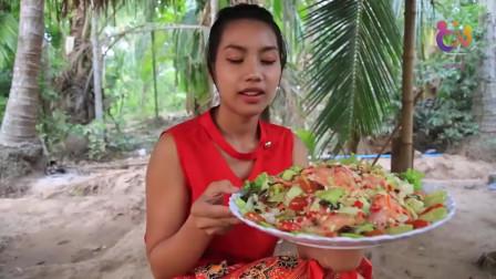 农村巧妇用新鲜的鱼骨制作美食,看的我都流口水