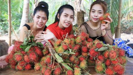 """柬埔寨农村巧妇,拿来""""红毛丹+菠萝蜜肉+西米"""",看看是什么吃法"""