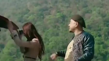 黄渤只用十秒就捧红了她,徐峥花了一整部戏都没有成功!