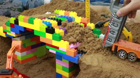 用积木在沙子上建一座拱桥