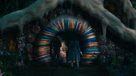 姐弟两人来到森林里的糖果小屋!里面住着一个女巫电影《韩赛尔与格蕾特:女巫猎人》片段
