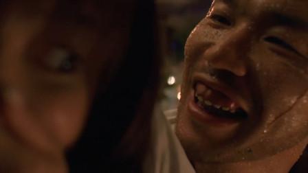 小伙刚想要亲女生,女生捂着嘴差点吐出来好尴尬
