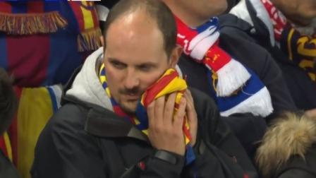天差地别!巴萨全队&球迷陷入绝望,萨拉赫看台露出笑容