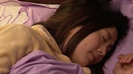 女儿在睡觉,不料爸爸突然靠近做出这事,简直毫无人性!