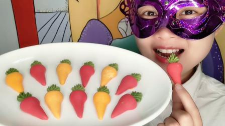 """妹子吃""""迷你胡萝卜巧克力"""",头顶绿叶好可爱,美味香甜超赞"""
