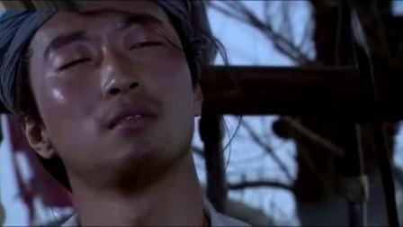 铁匠瞧不起岳飞,直到他拉开三百斤弓射穿大树,铁匠完全服了!