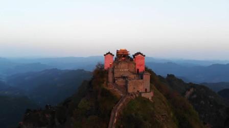 中国不解之谜,为何武当山金顶的这盏灯燃烧600年都不灭?